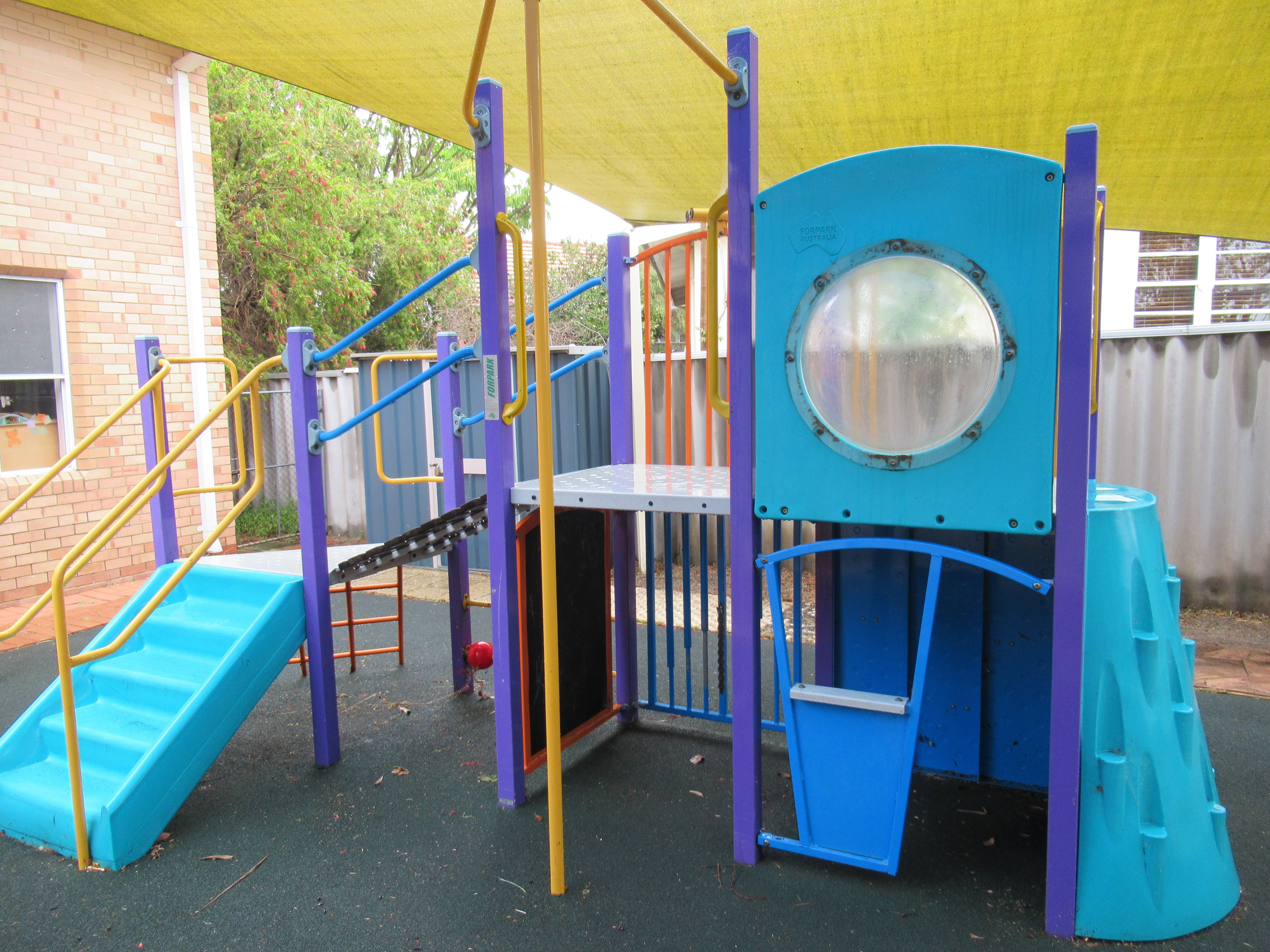 Children's Play Area - 3